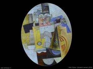 1912_pablo_picasso_745_strumenti_musicali[1]